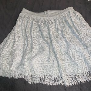 Cute flowy above knee pale mint skirt!